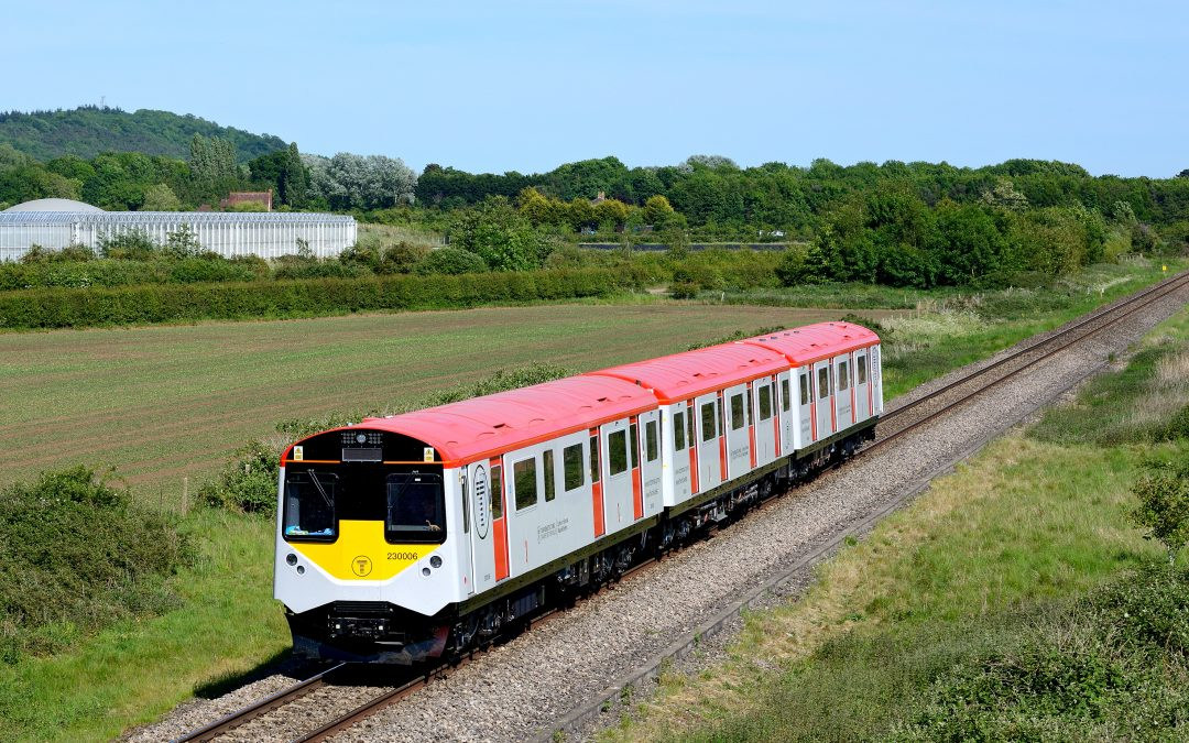 New images of 230006 on the mainline